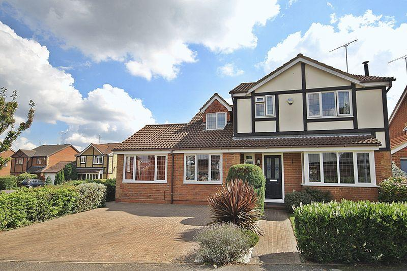 4 Bedrooms Detached House for sale in Waterloo Close, Flitwick