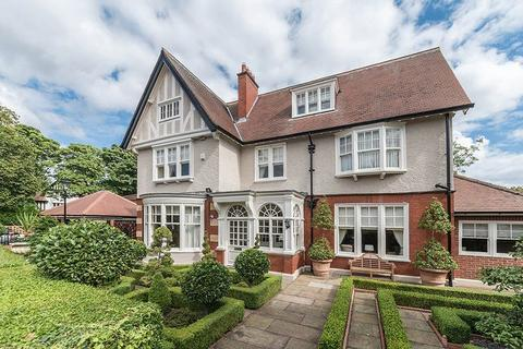 6 bedroom detached house for sale - Chesters Close, Adderstone Crescent, Jesmond