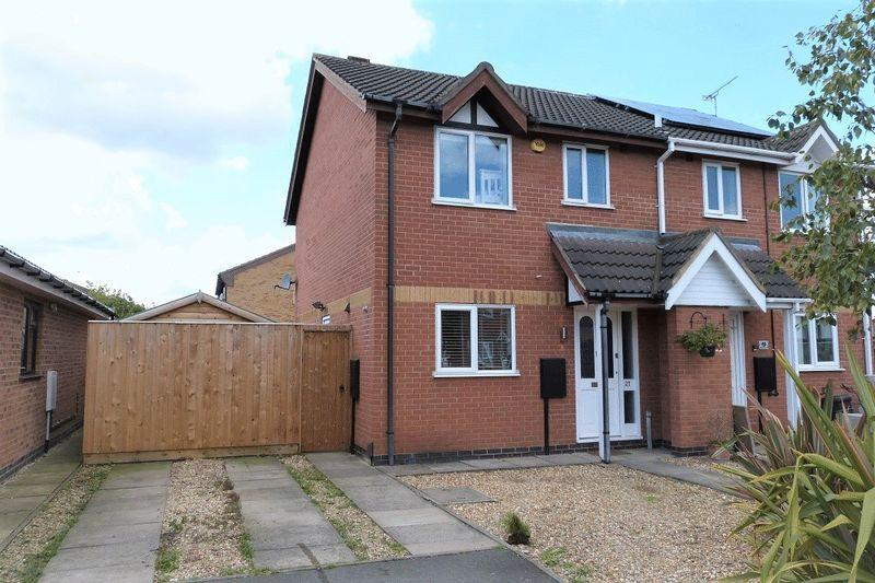 3 Bedrooms Semi Detached House for sale in Blackthorn Drive Syston