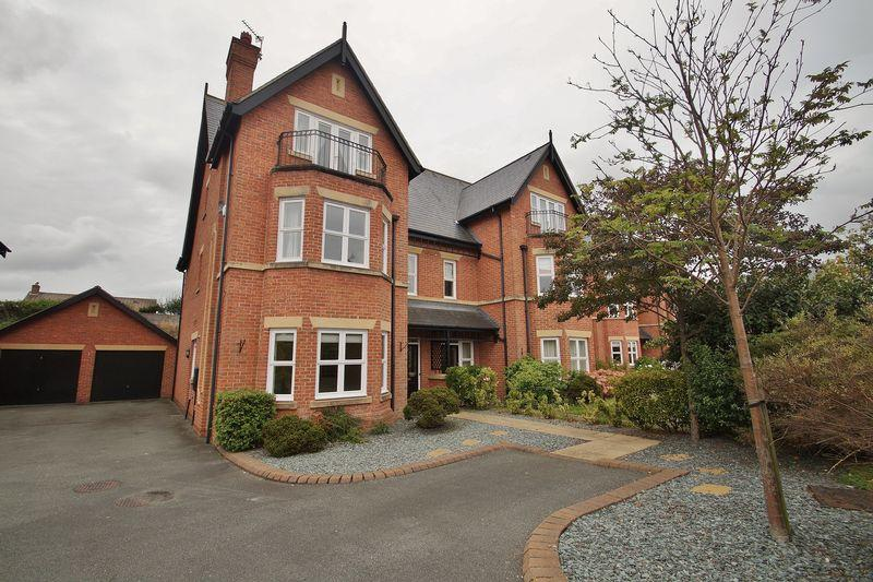 4 Bedrooms Semi Detached House for sale in Kingswood Park, Birkdale