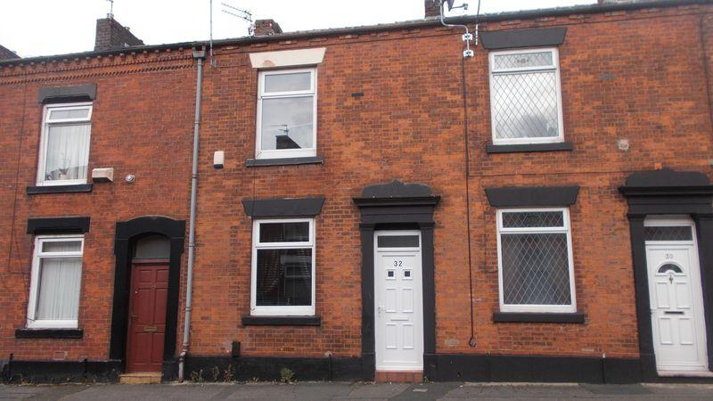 2 Bedrooms Terraced House for sale in Ryeburne Street, Oldham
