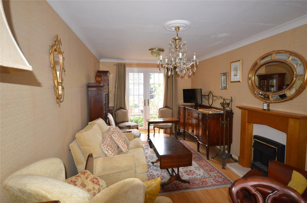 2 Bedrooms Semi Detached House for sale in Ganders Ash, Garston, Hertfordshire, WD25