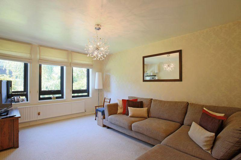 1 Bedroom Flat for sale in Belsize Avenue, Belsize Park, NW3