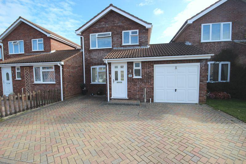 3 Bedrooms Detached House for sale in MUDEFORD CHRISTCHURCH