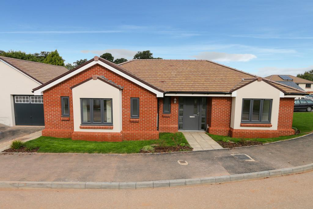 3 Bedrooms Detached Bungalow for sale in The Hazel, WestClyst, Exeter