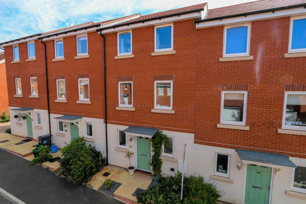 3 Bedrooms Town House for sale in Henrys Run, Cranbrook