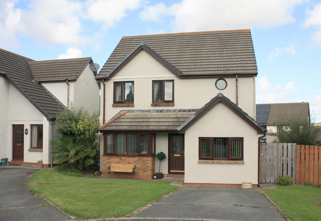 4 Bedrooms Detached House for sale in Rumsey Drive, Neyland, Milford Haven