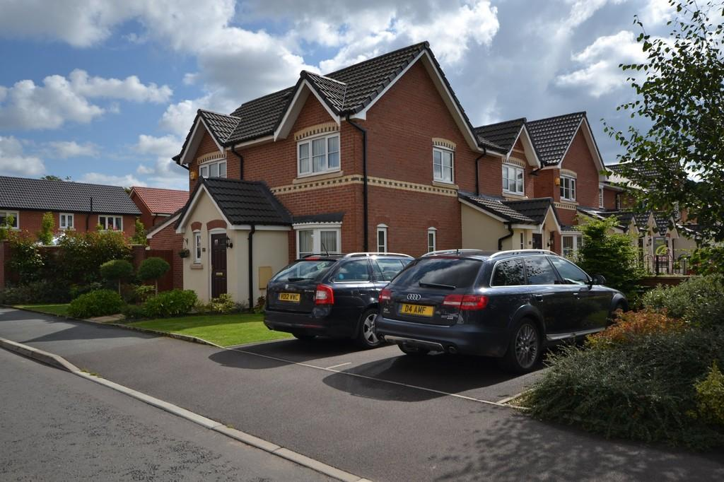 3 Bedrooms Semi Detached House for sale in Chelford Road, Eccleston, St. Helens