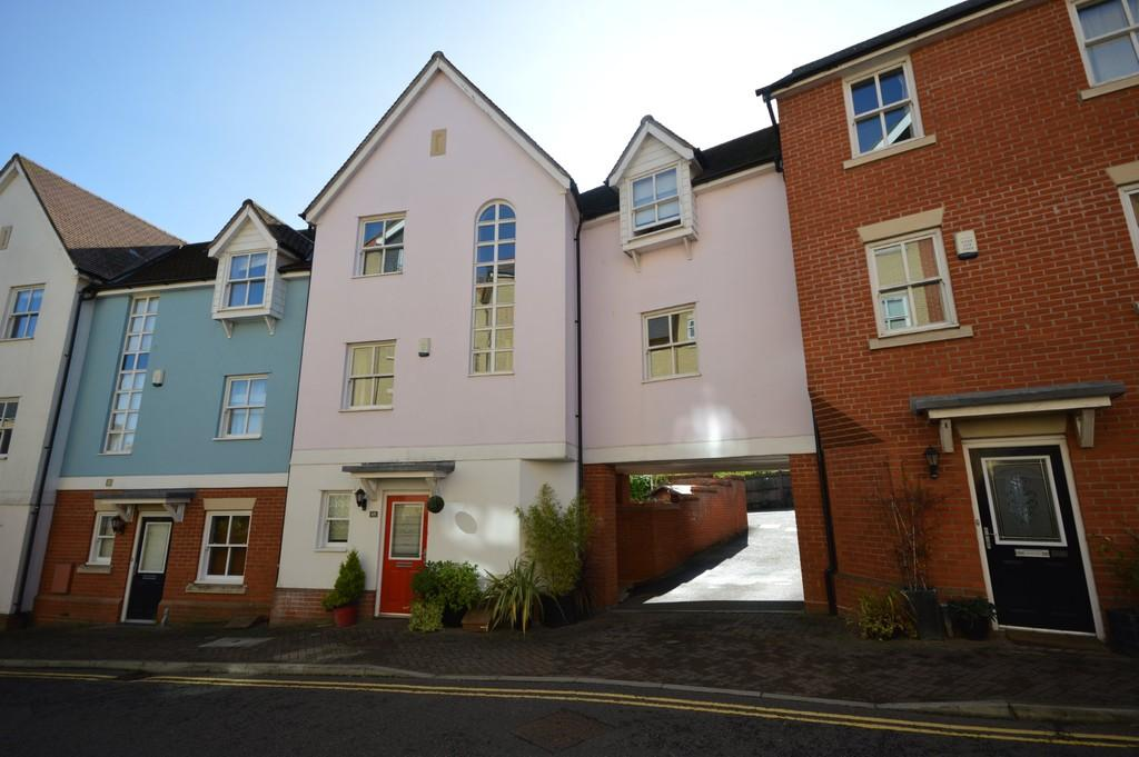 4 Bedrooms Town House for sale in St. Marys Fields, Colchester