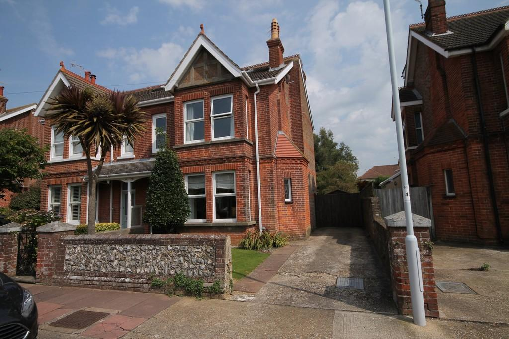 4 Bedrooms Semi Detached House for sale in Woodlea Road, Worthing BN13 1BN