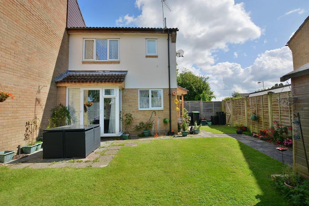 1 Bedroom End Of Terrace House for sale in Nightingale Close, Verwood