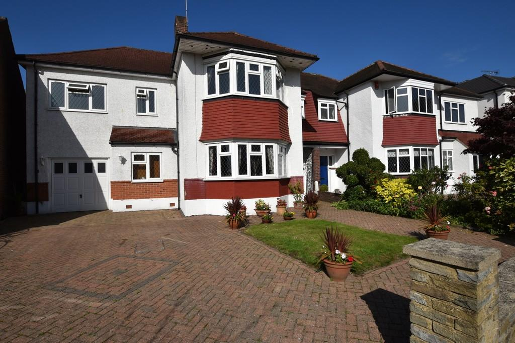 6 Bedrooms Semi Detached House for sale in High View Road, South Woodford