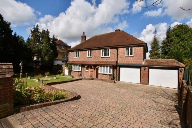 5 Bedrooms Detached House for sale in Leatherhead Road, Ashtead, KT21