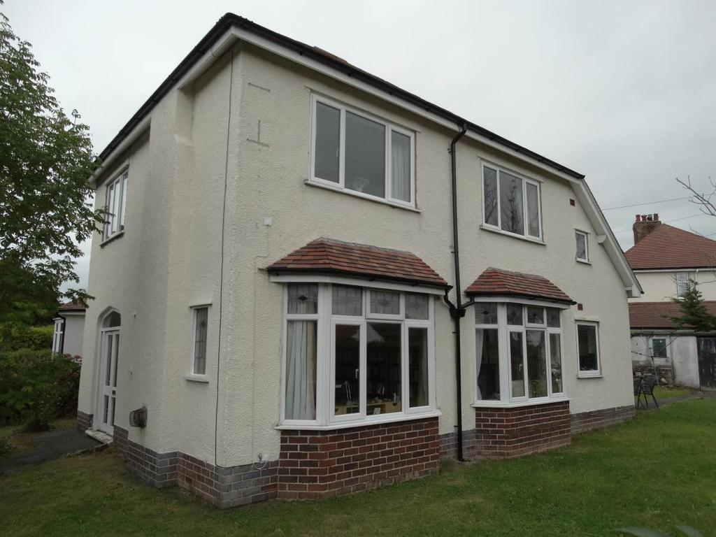 3 Bedrooms Detached House for sale in 25 Llandudno Road, Rhos on Sea, LL28 4UD