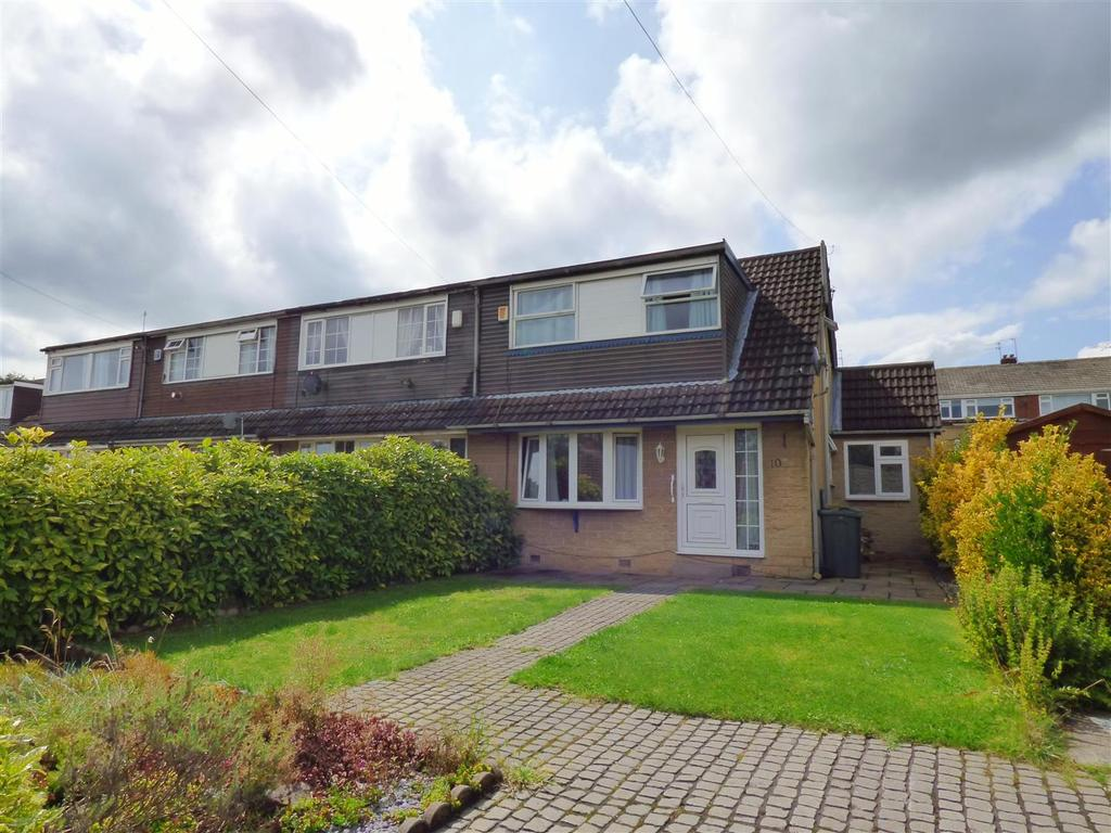 3 Bedrooms Semi Detached House for sale in Larch Close, Liversedge