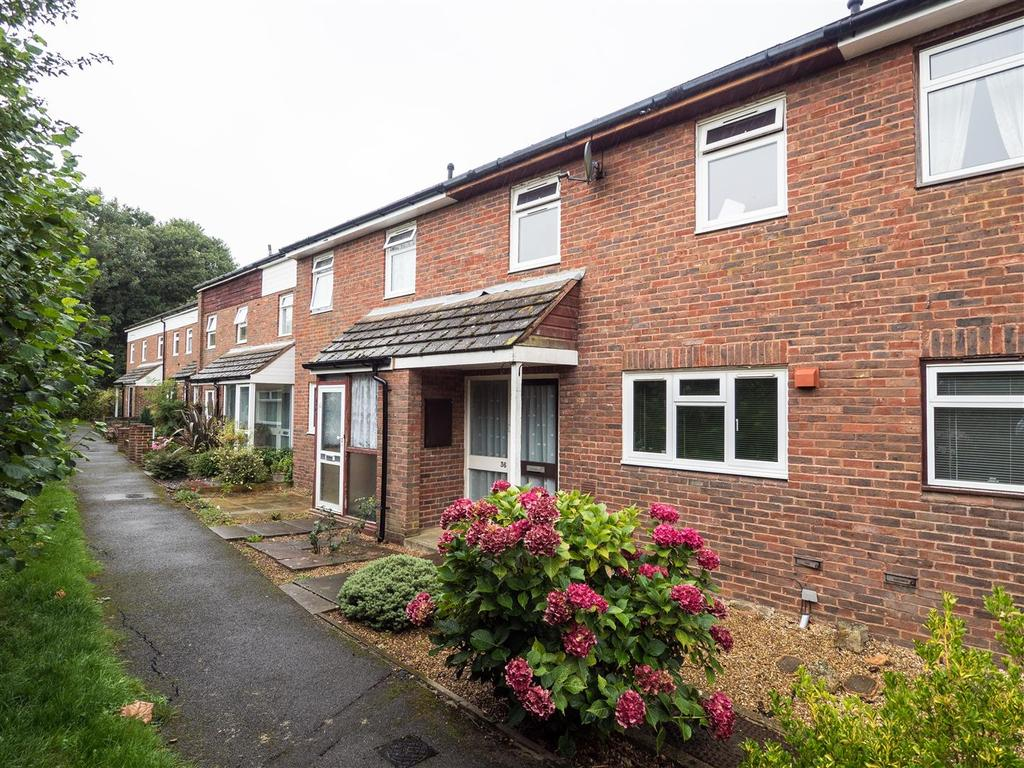 2 Bedrooms Terraced House for sale in Plumpton Walk, Maidstone