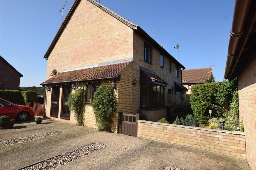 1 Bedroom End Of Terrace House for sale in Falcon Fields, Maldon