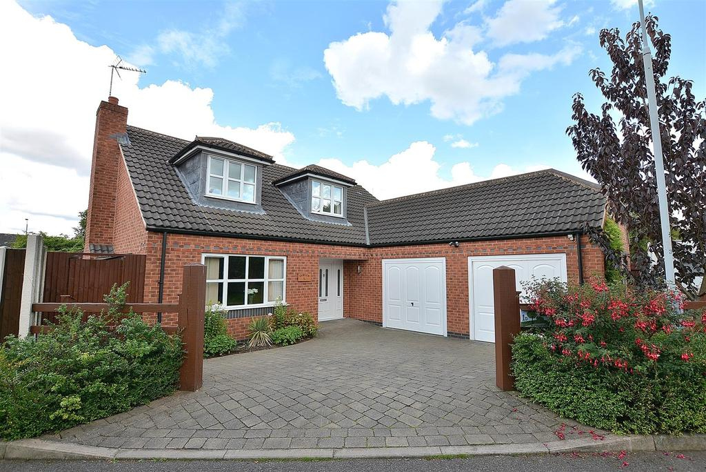 5 Bedrooms Detached Bungalow for sale in Norman Avenue, Sutton-In-Ashfield