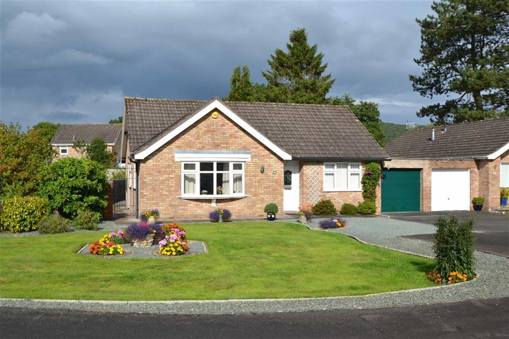 2 Bedrooms Detached Bungalow for sale in Stretton Farm Road, Church Stretton, Shropshire