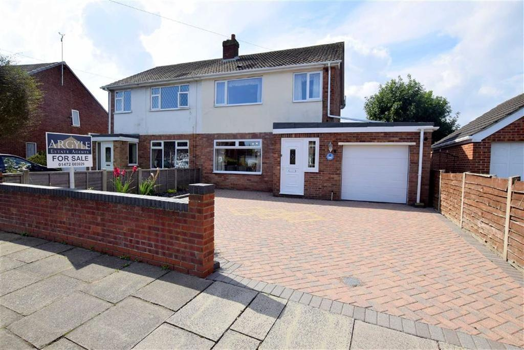 4 Bedrooms Semi Detached House for sale in Middlethorpe Road, Cleethorpes, North East Lincolnshire