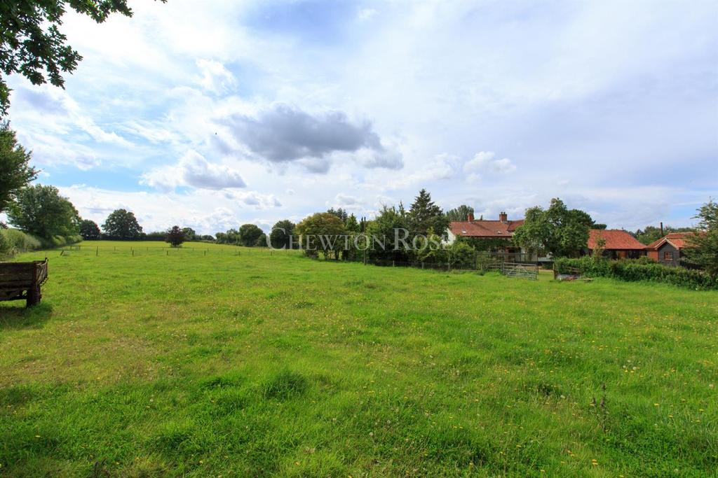 7 Bedrooms Detached House for sale in Old Buckenham