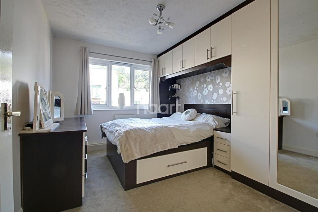 2 Bedrooms Flat for sale in Brighton Road, South Croydon, CR2