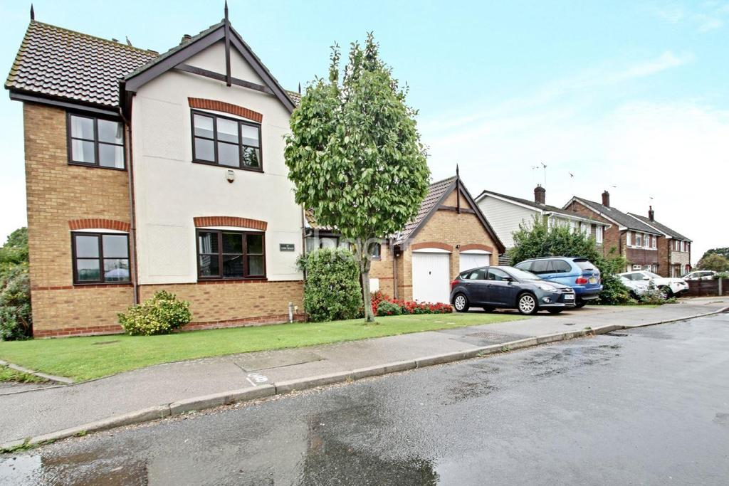 4 Bedrooms Detached House for sale in Vine Road, Tiptree, CO5