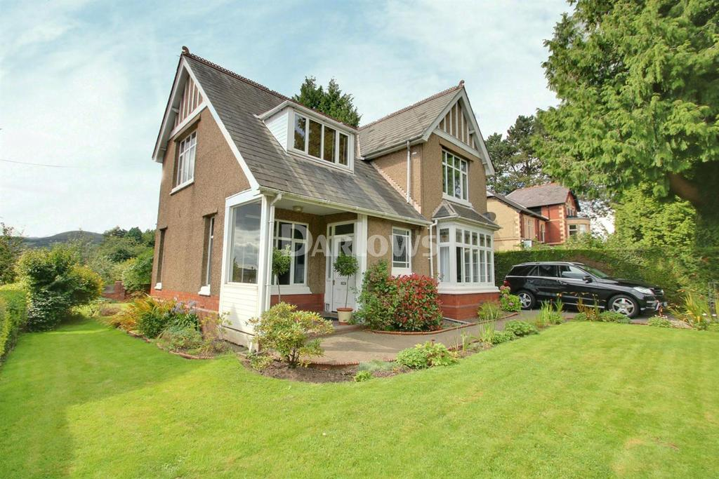 3 Bedrooms Detached House for sale in The Highway, New Inn, Pontypool
