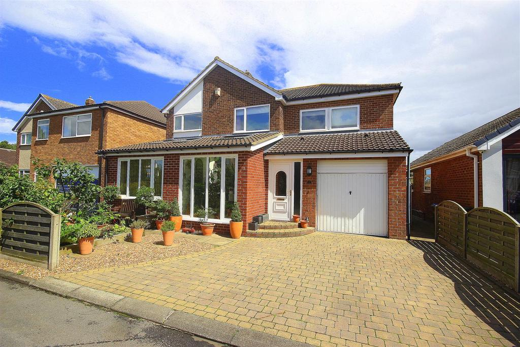 4 Bedrooms Detached House for sale in Foxton Way, High Shincliffe, Durham
