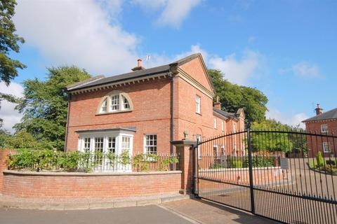 5 bedroom character property for sale - Lawton Hall Drive, Church Lawton
