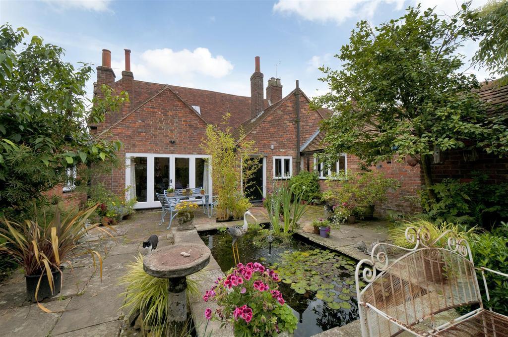 4 Bedrooms Semi Detached House for sale in Bullen Lane, East Peckham