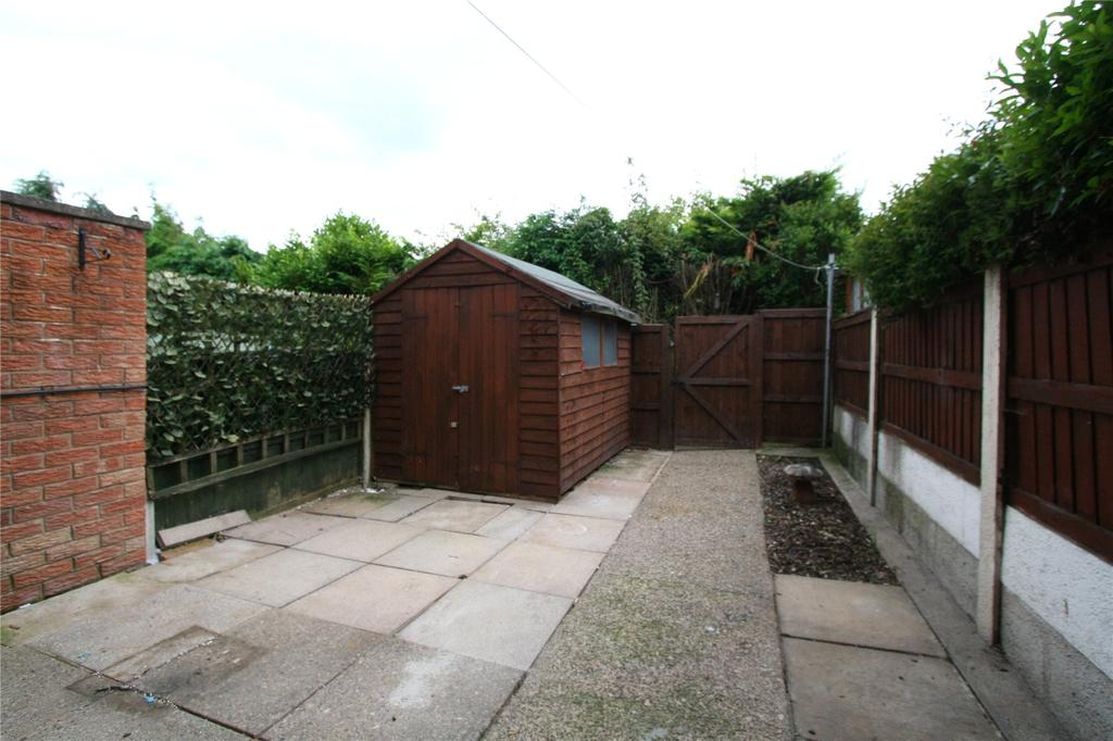 2 Bedrooms Terraced House for sale in The Parks, Tanyfron, Wrexham, LL11