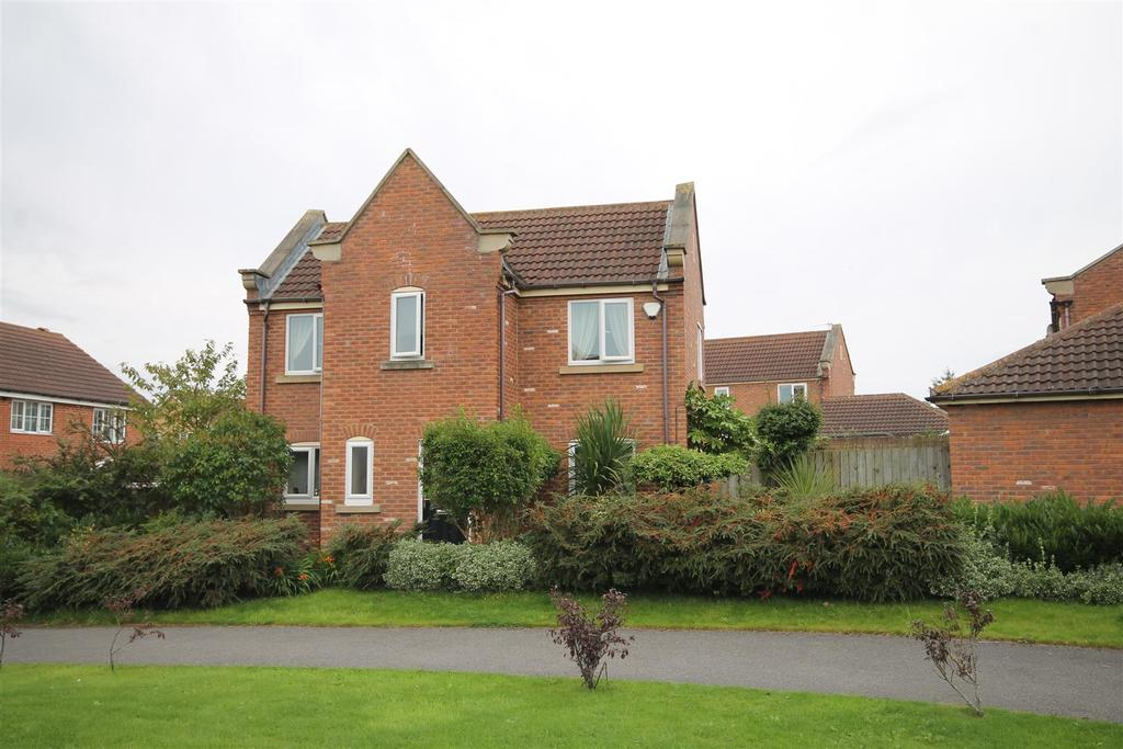 3 Bedrooms House for sale in Raydale Beck, Ingleby Barwick, Stockton-On-Tees
