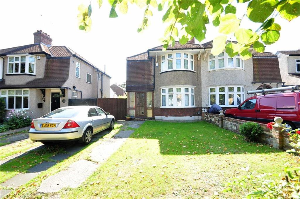 3 Bedrooms Semi Detached House for sale in Avenue Road, Northumberland Heath, Erith