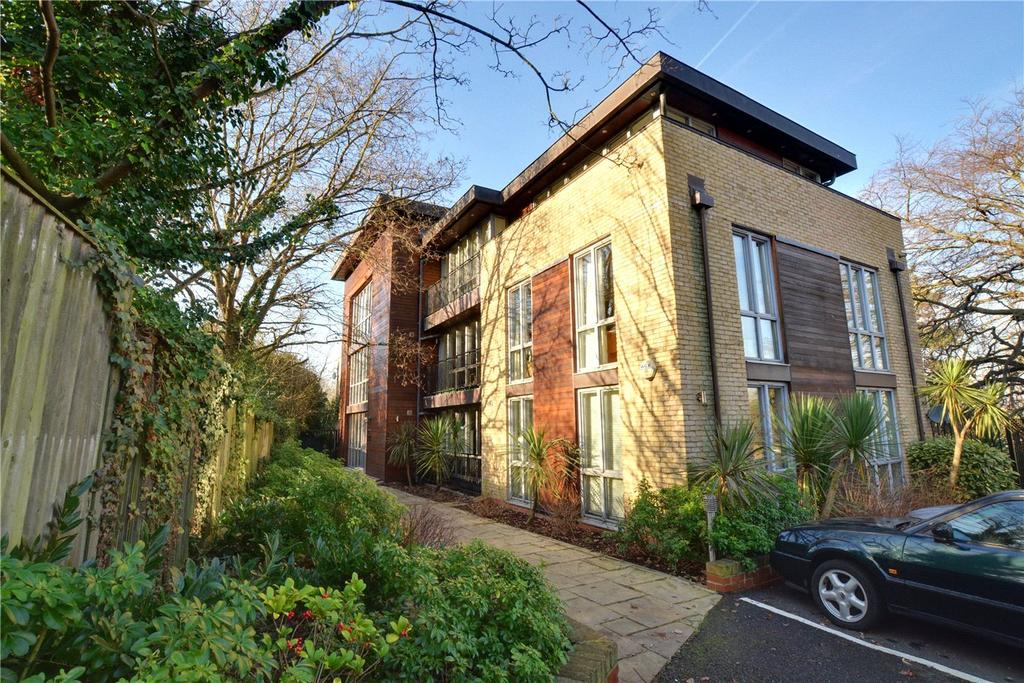 2 Bedrooms Flat for sale in Pleasaunce Mansions, Halstow Road, Greenwich, London, SE10