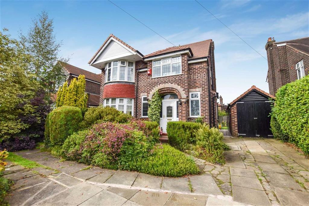 4 Bedrooms Detached House for sale in Rothiemay Road, Urmston