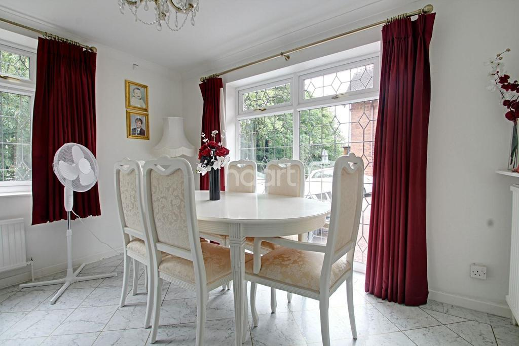 3 Bedrooms Bungalow for sale in Brookside Road, Breadsall
