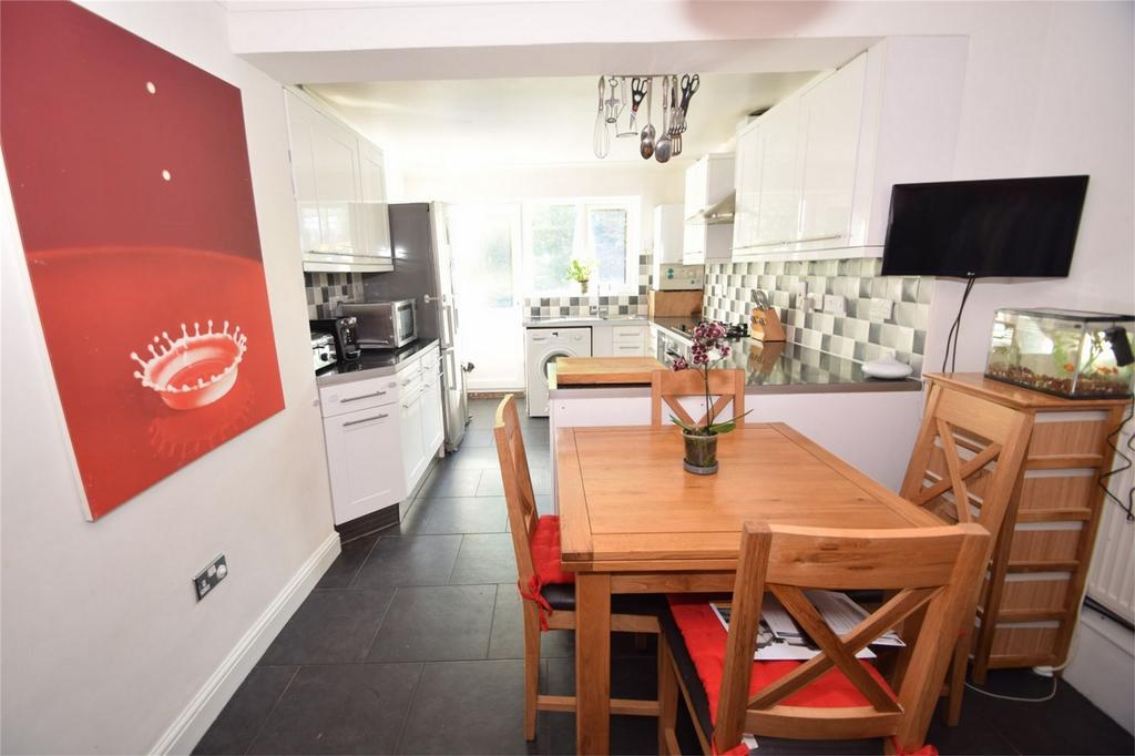 3 Bedrooms Terraced House for sale in Longley Road, Rochester, Kent