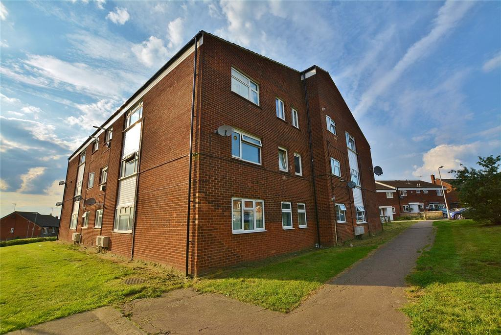 3 Bedrooms Apartment Flat for sale in Little Grove, Bushey, Hertfordshire, WD23
