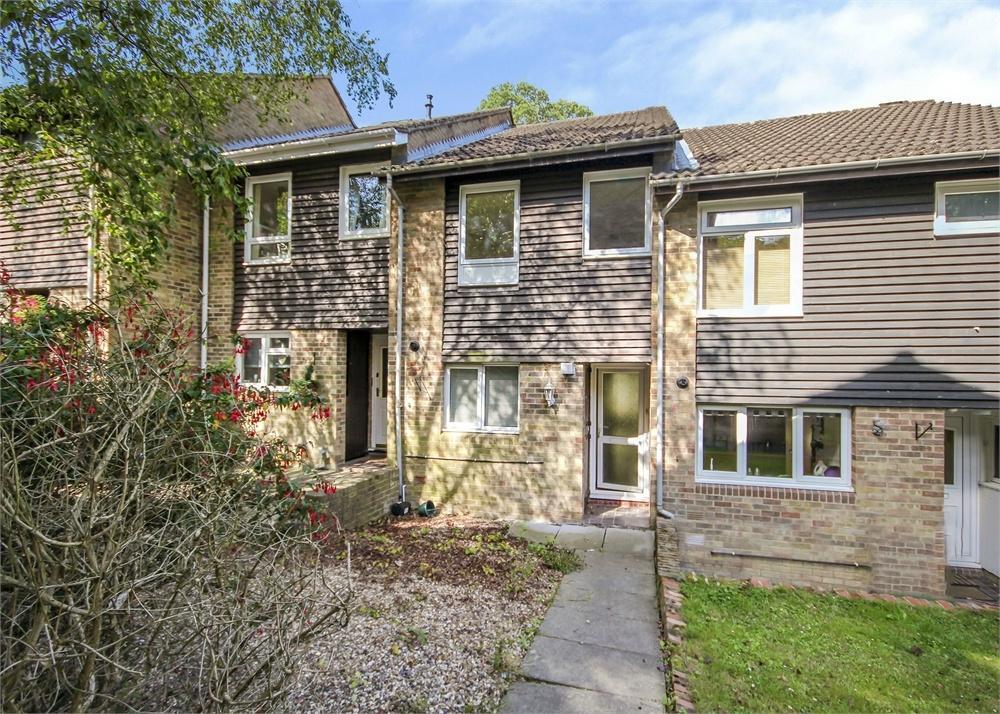 3 Bedrooms Terraced House for sale in Herondale, Bracknell, Berkshire