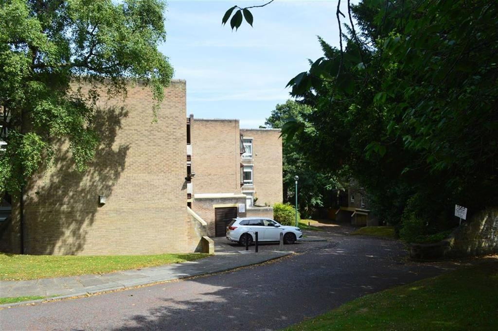 2 Bedrooms Apartment Flat for sale in Yewdale Park, Oxton, CH43