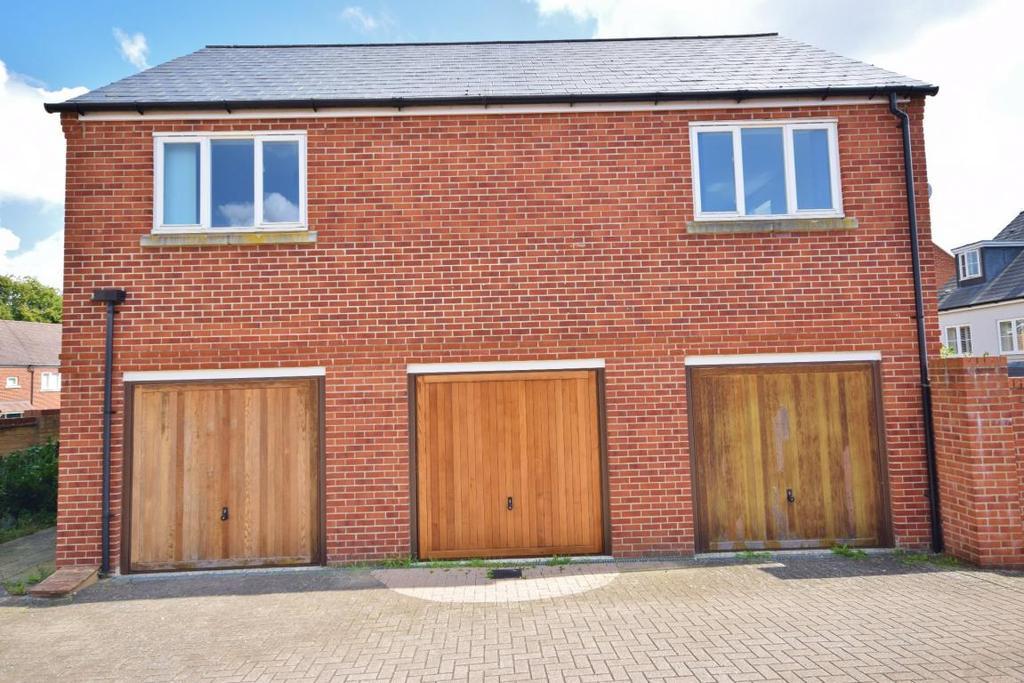 1 Bedroom Detached House for sale in Limes Park, Basingstoke, RG24