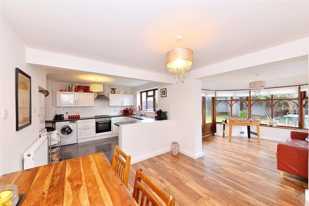 5 Bedrooms Detached House for sale in Kings Road, Kidderminster, DY11