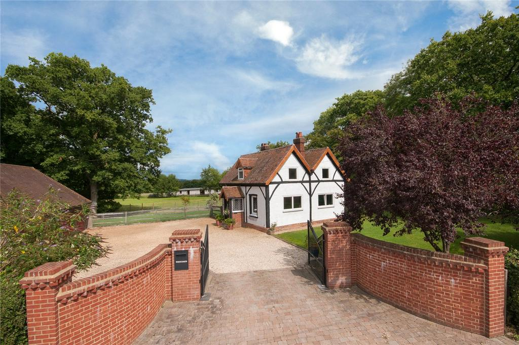 3 Bedrooms House for sale in Stan Hill, Charlwood, RH6