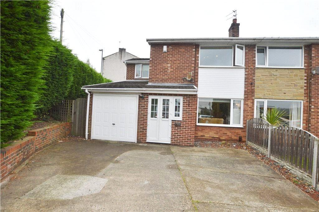 4 Bedrooms Semi Detached House for sale in Hall Cliffe Grove, Horbury, Wakefield, West Yorkshire