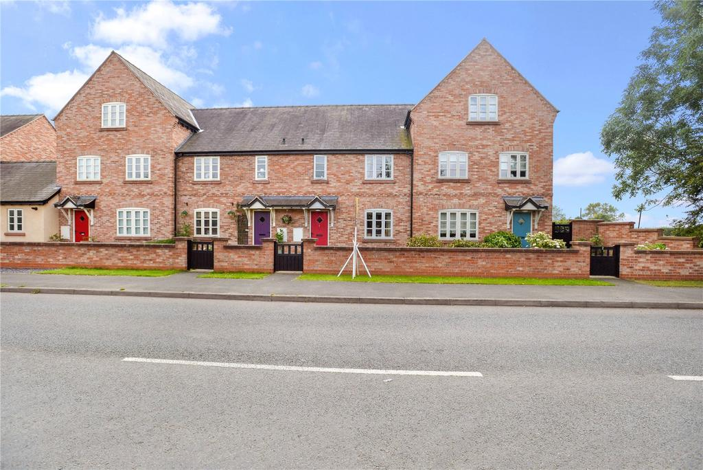 3 Bedrooms Mews House for sale in Castle Gate, Holt, Wrexham, Clwyd, LL13