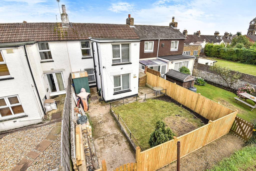 2 Bedrooms Terraced House for sale in Holborough Road, Snodland