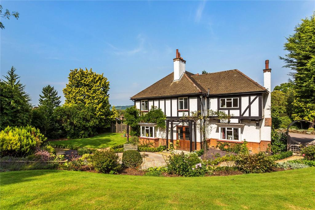 5 Bedrooms Detached House for sale in Brassey Road, Limpsfield, Oxted, Surrey, RH8