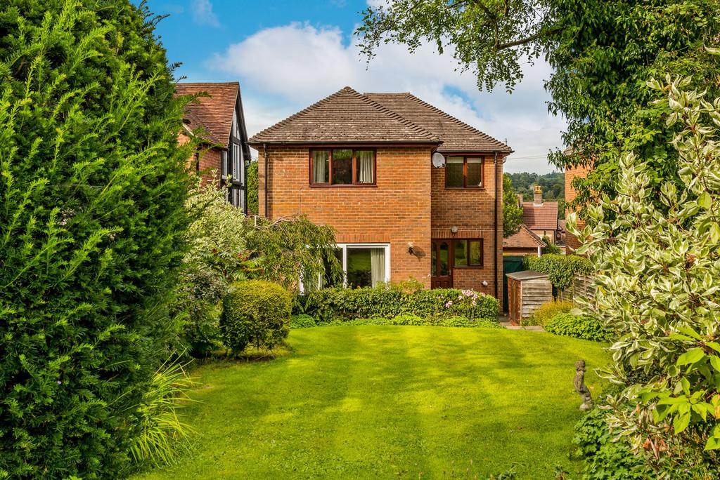 3 Bedrooms Detached House for sale in Haslemere, Surrey