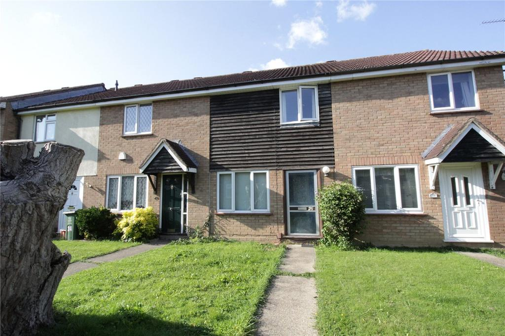 2 Bedrooms Terraced House for sale in Fraser Close, Laindon, Essex, SS15